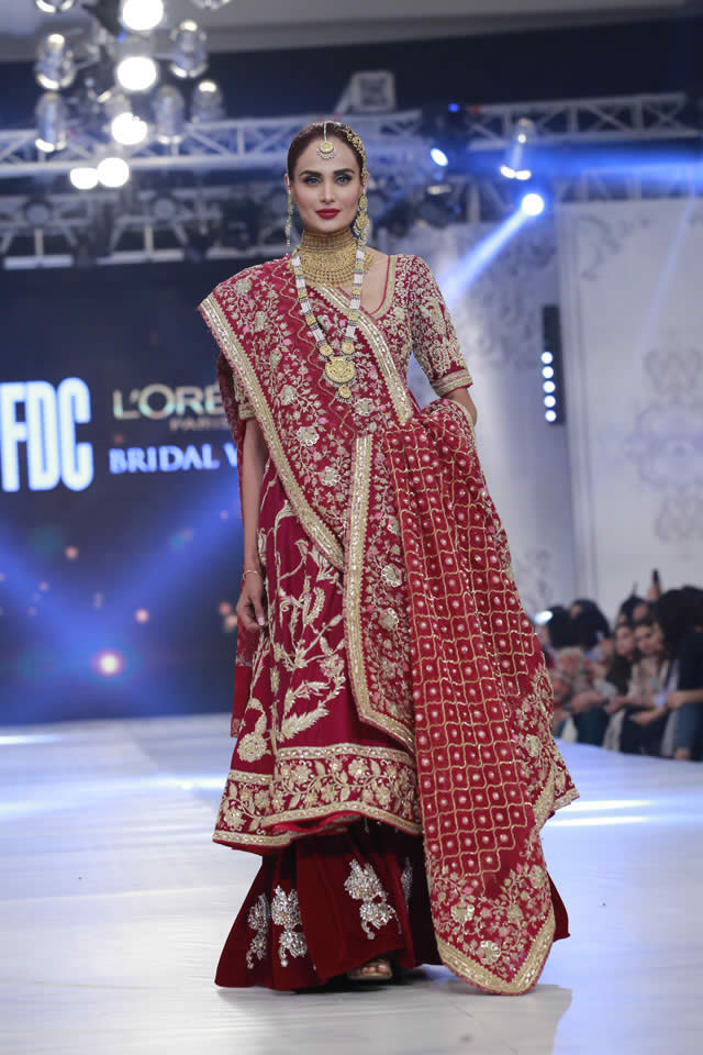 kamiar-rokni-bridal-collection-at-loreal-bridal-week-2017-pkvogue-com-17