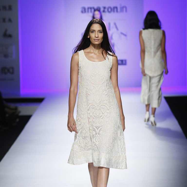 kavita-bhartia-at-amazon-india-fashion-week-2007-14