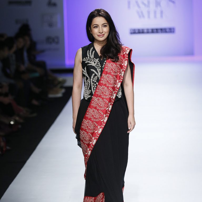 kavita-bhartia-at-amazon-india-fashion-week-2007-17