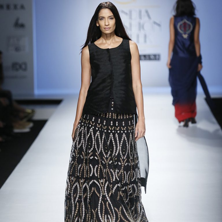 kavita-bhartia-at-amazon-india-fashion-week-2007-18