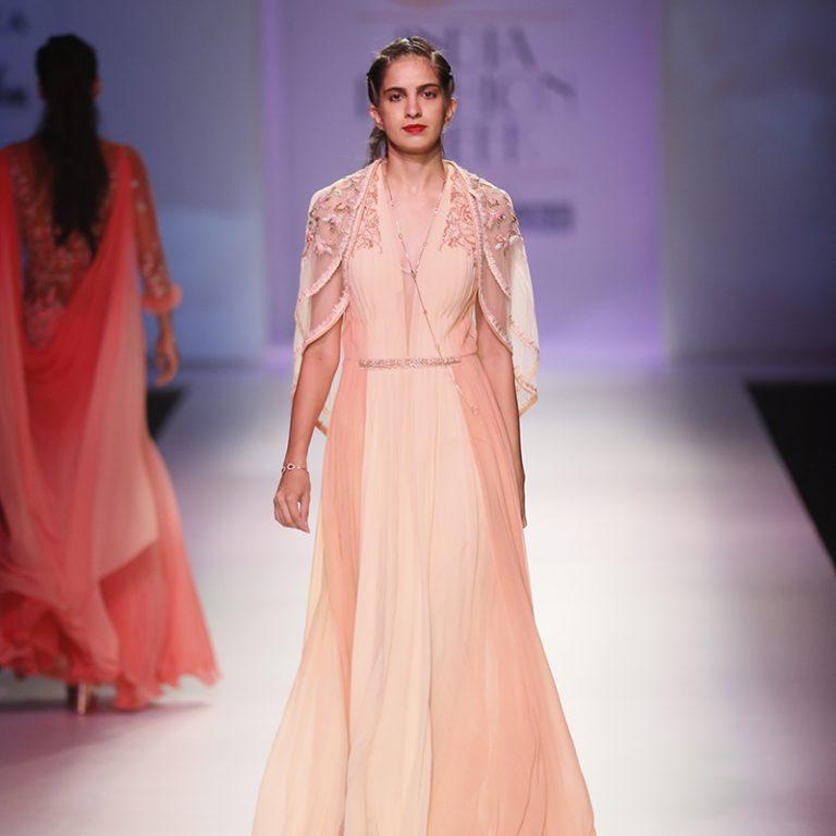 mandira-wirk-at-amazon-india-fashion-week-2017-1