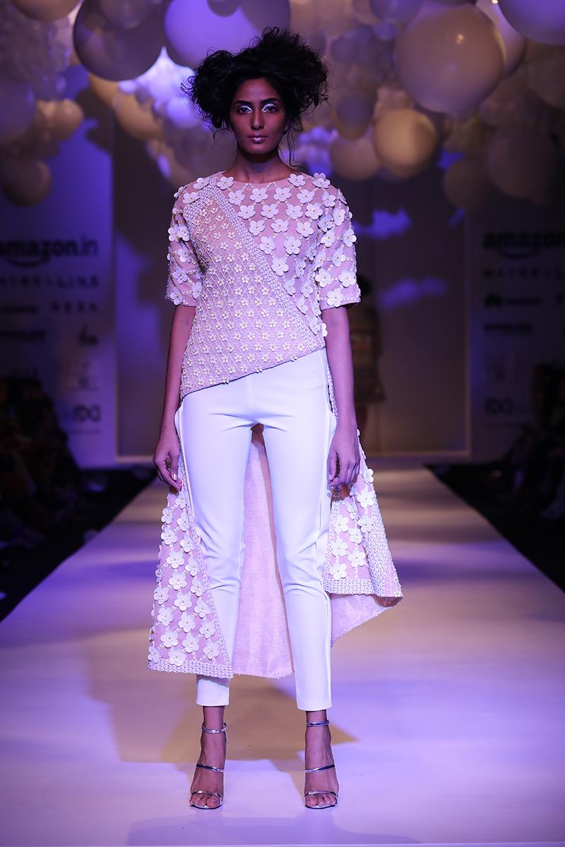 pankaj-and-nidhi-latest-dress-amazon-india-fashion-week-2017-20