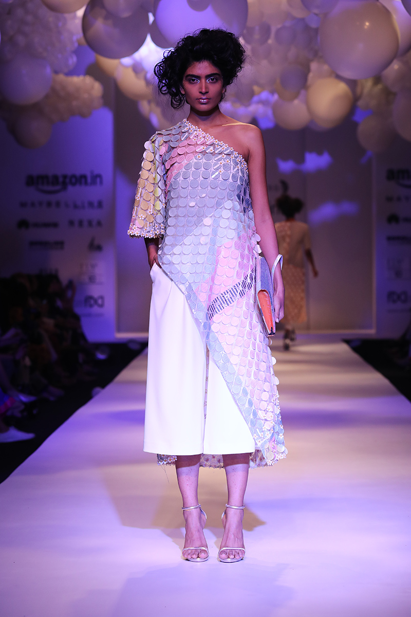 pankaj-and-nidhi-latest-dress-amazon-india-fashion-week-2017-21