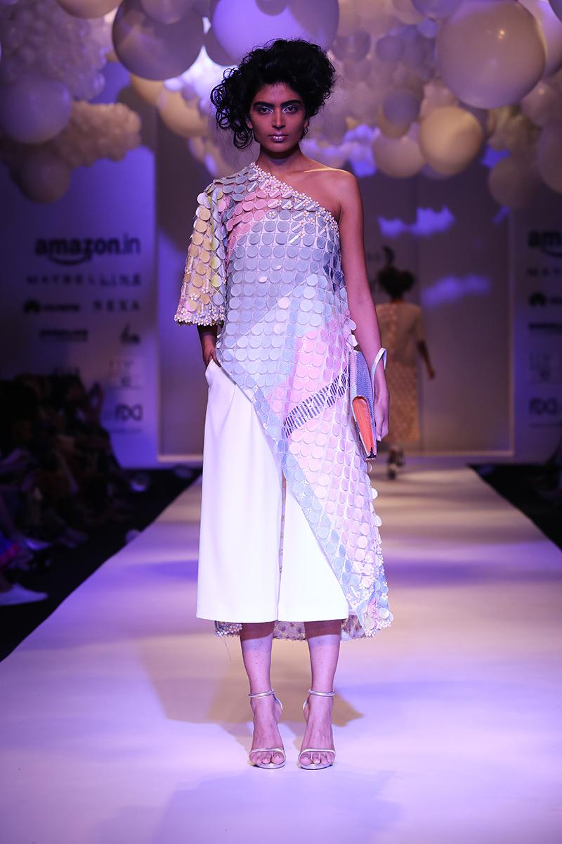 pankaj-and-nidhi-latest-dress-amazon-india-fashion-week-2017-21