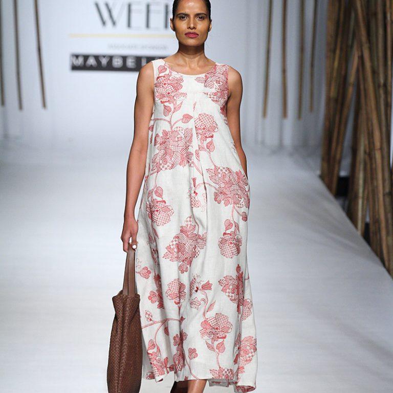 payal-pratap-at-amazon-india-fashion-week-2017-16