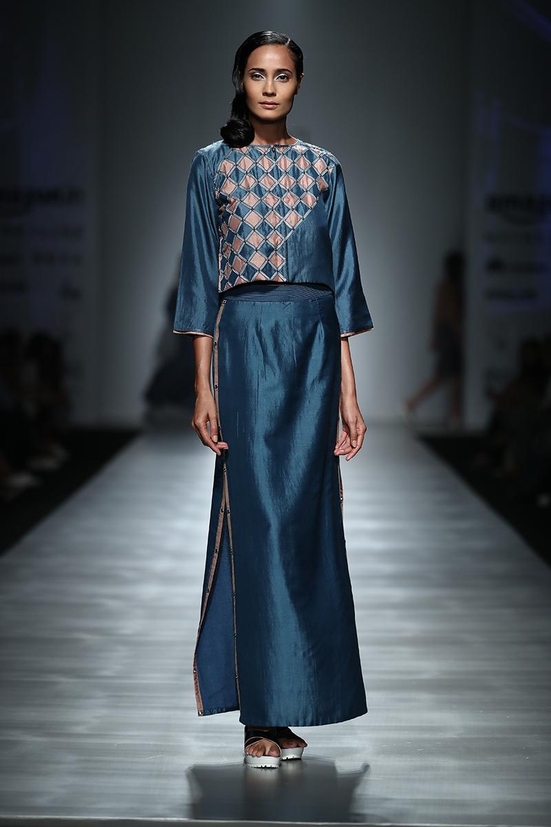 pinnacle-by-shruti-sancheti-at-amazon-india-fashion-week-2017-16