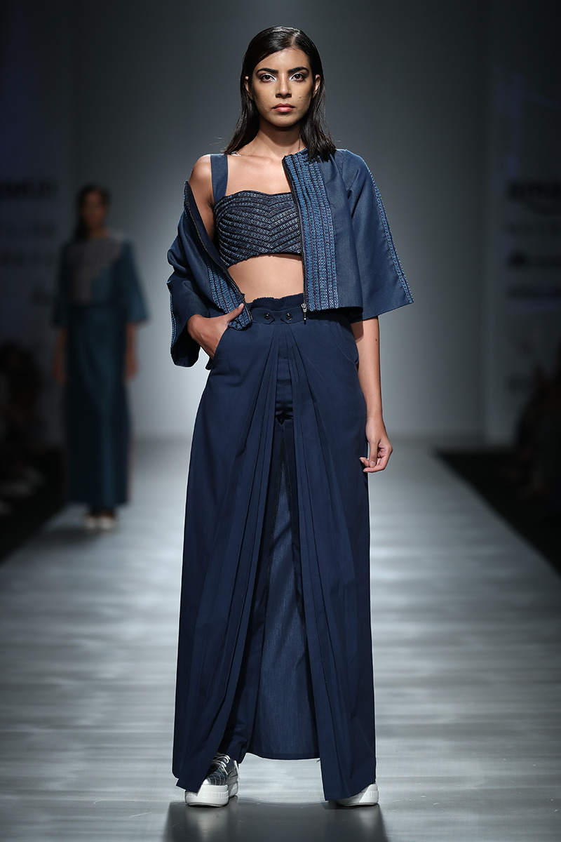 pinnacle-by-shruti-sancheti-at-amazon-india-fashion-week-2017-17