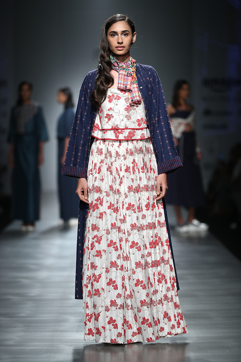 pinnacle-by-shruti-sancheti-at-amazon-india-fashion-week-2017-21