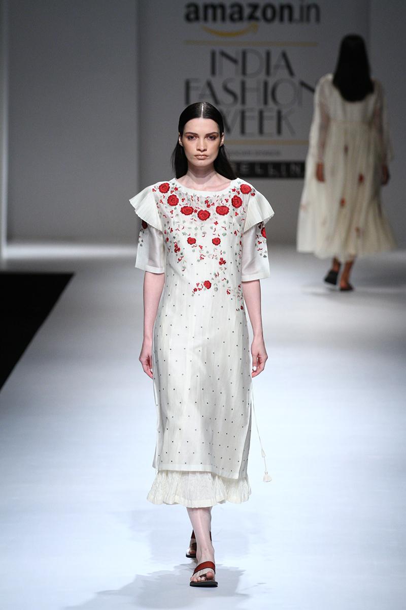 prama-by-pratima-pandey-at-amazon-india-fashion-week-2017-14