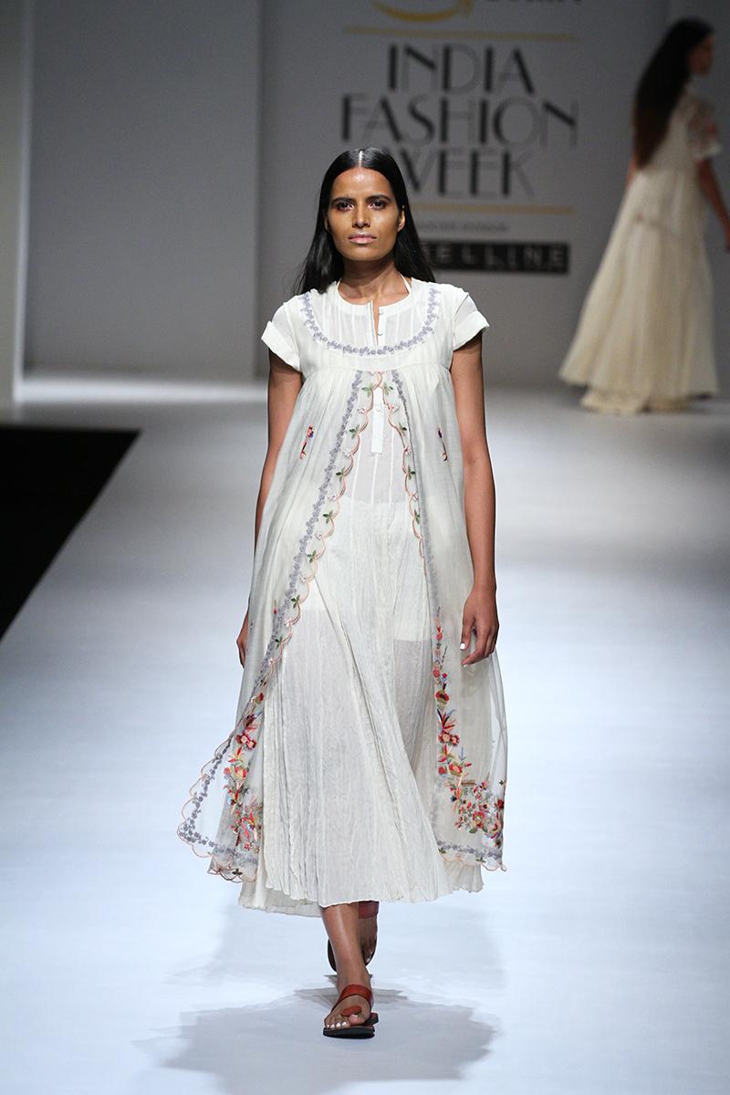 prama-by-pratima-pandey-at-amazon-india-fashion-week-2017-18