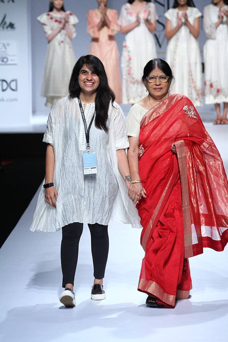 prama-by-pratima-pandey-at-amazon-india-fashion-week-2017-19