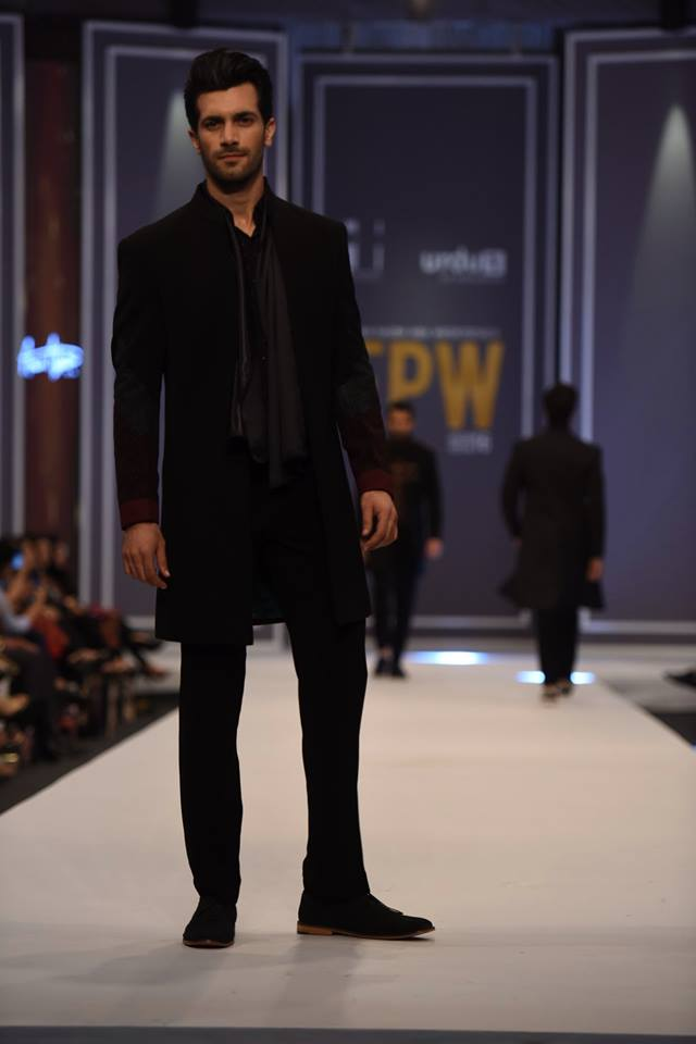 amir-adnan-latest-collection-at-fashion-pakistan-week-winter-2016-15