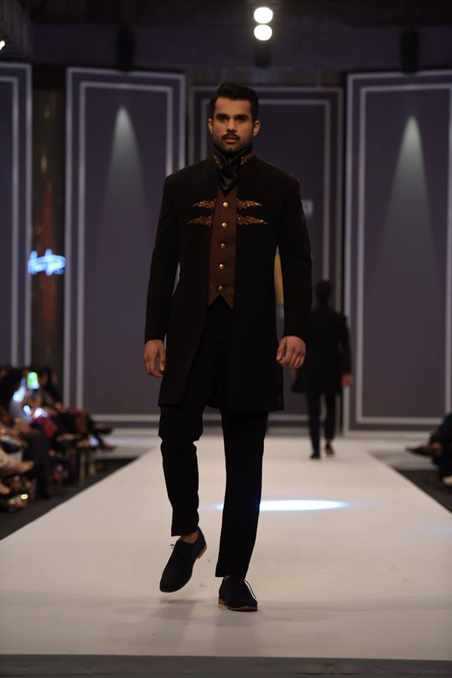 amir-adnan-latest-collection-at-fashion-pakistan-week-winter-2016-16