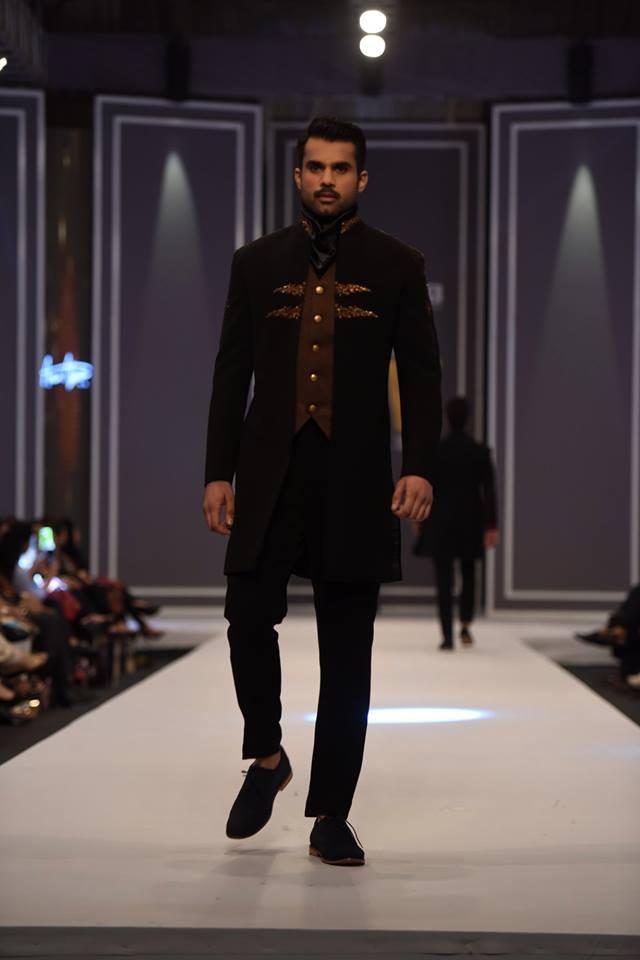 amir-adnan-latest-collection-at-fashion-pakistan-week-winter-2016-16
