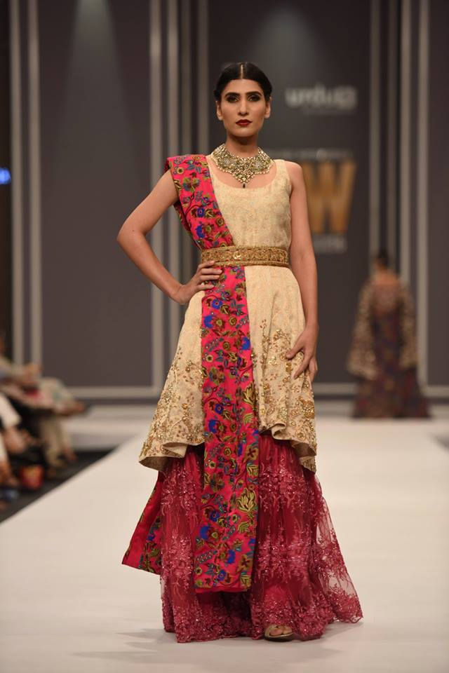 fnkasia-by-huma-adnan-bridal-collection-at-fpw-winter-festive-2016-16
