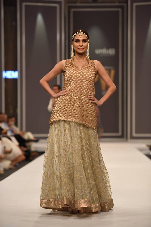 hem-by-sumbul-asif-bridal-collection-at-fpw-2016-15