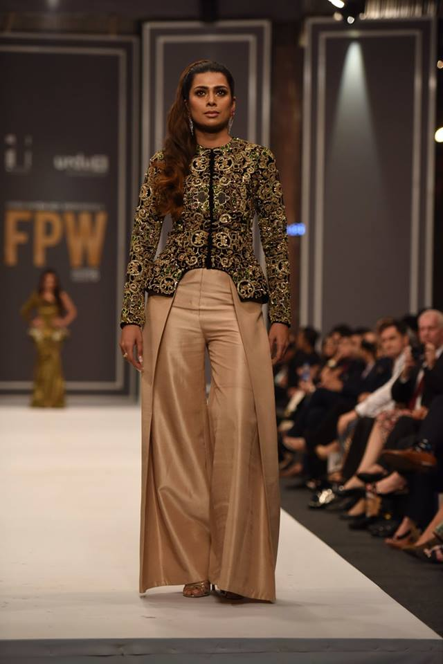 maheen-karim-winter-collection-at-fpw-winter-festive-2016-13