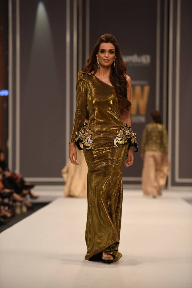 maheen-karim-winter-collection-at-fpw-winter-festive-2016-15