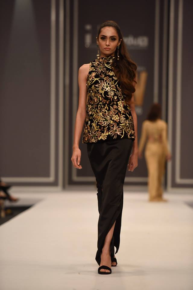 maheen-karim-winter-collection-at-fpw-winter-festive-2016-8