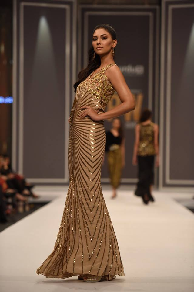 maheen-karim-winter-collection-at-fpw-winter-festive-2016-9