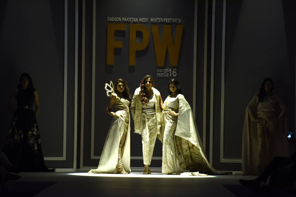 shehla-chatoor-bridal-collection-at-fpw-winter-festive-2016-0