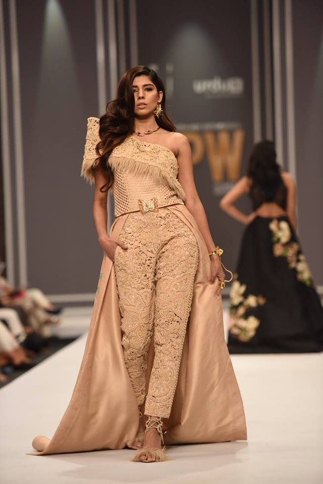 shehla-chatoor-bridal-collection-at-fpw-winter-festive-2016-8