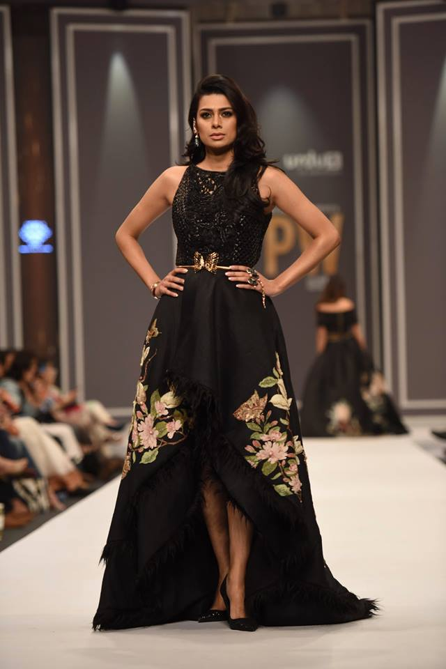 shehla-chatoor-bridal-collection-at-fpw-winter-festive-2016-9