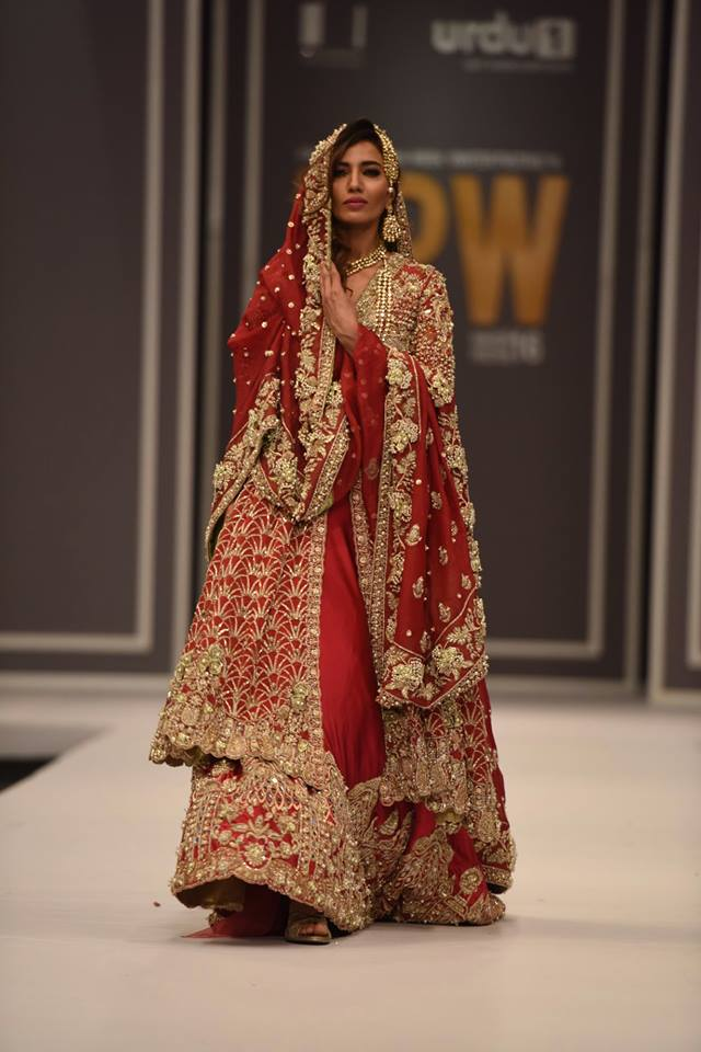 suffuse-by-sana-yasir-at-fpw-2016-12