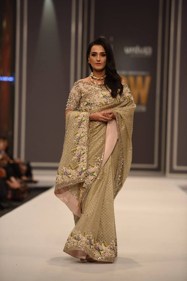 suffuse-by-sana-yasir-at-fpw-2016-13