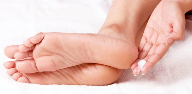 how to fix dry cracked bleeding feet