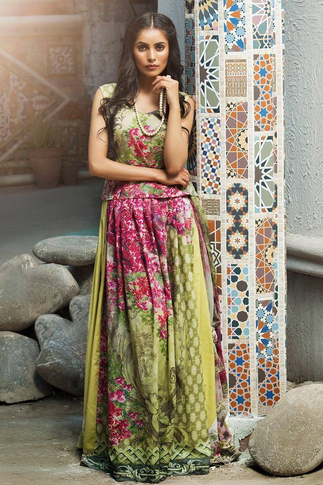 Latest Mehndi Dresses 2019 By Amna Ajmal \u2013 2020 Online