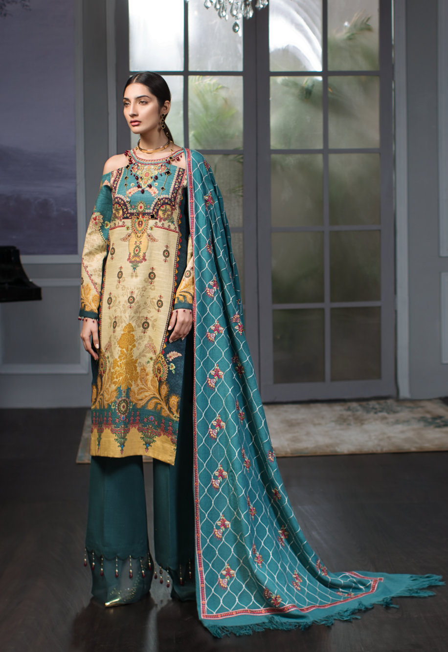 f21d47c059 The post NOOR Winter Shawl Collection 2019 By Saadia Asad appeared first on PK  Vogue.