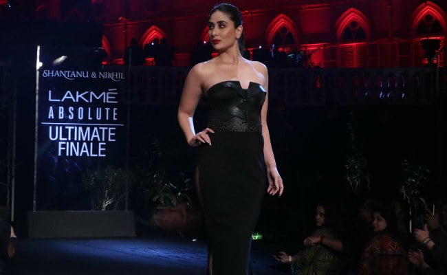 Kareena Kapoor's Look Stunning In Lakme Fashion Week 2019Kareena Kapoor's Look Stunning In Lakme Fashion Week 2019
