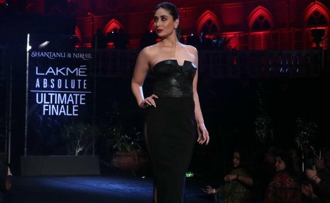 Kareena Kapoor's Look Stunning In Lakme Fashion Week 2019Kareena Kapoor's Look Stunning In Lakme Fashion Week 2019