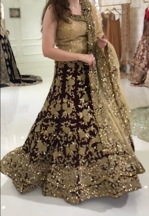 Embroidered Pakistani lehenga
